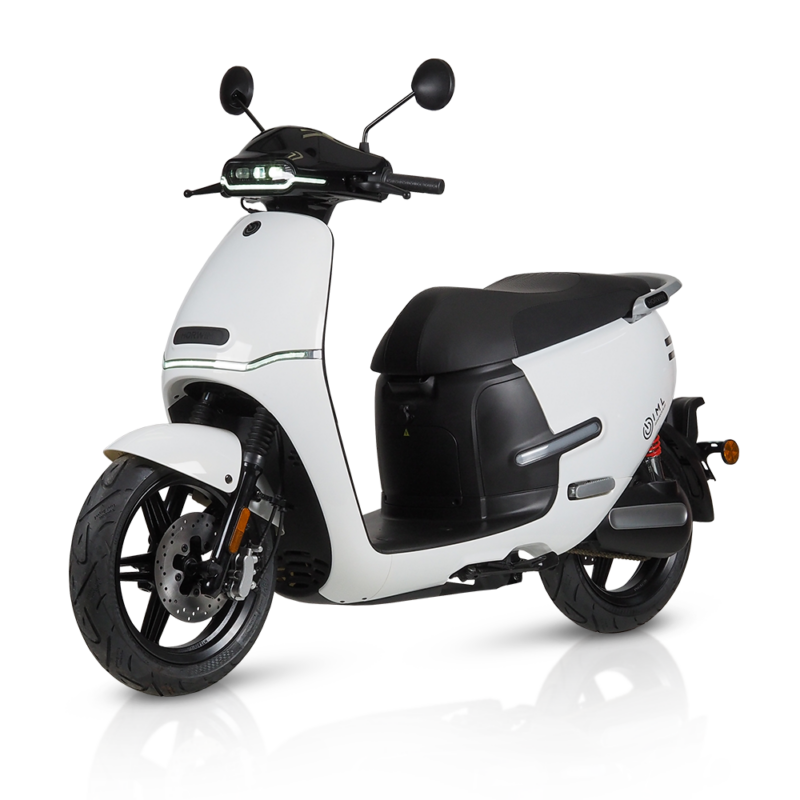 electric Motorcycles white horwin ek3